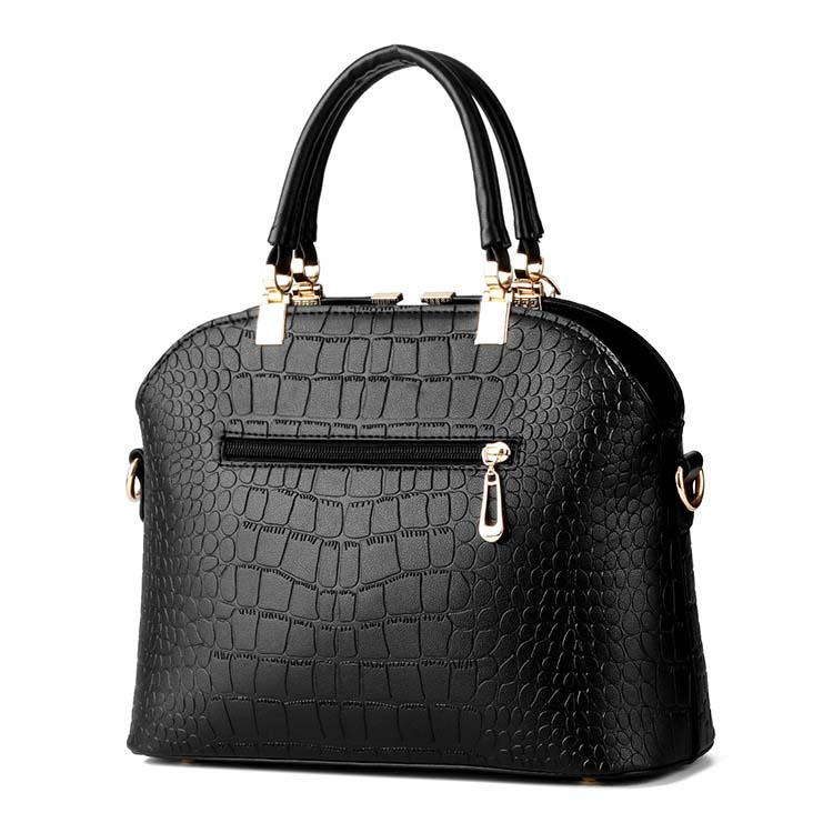 ... Fashion Alligator Pattern Women Leather Handbags Black Tote Bags Summer  Hand Bag Crocodile Female Pouch Ladies  New Hello kitty ... c6b54a1fd8