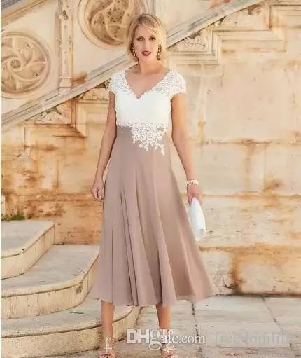 2018 Cheap Mother Of The Bride Dresses V Neck White Lace Applique Beads Cap Sleeves Tea Length Plus Size Wedding Guest Gowns