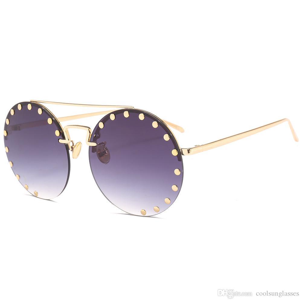 2c0b3e668d1b9 Compre Óculos De Sol Redondos Feminino Brand New UV400 Espelhado Vintage  Óculos De Sol Para Homens Preto Cinza Azul Verde Lente De Coolsunglasses