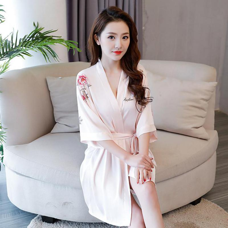 2018 New Pink Female Satin Mini Wedding Bride Bridesmaid Robe V Neck Sexy  Sleepwear Print Flower Nightdress Loose Kimono Bath Gown From Lucycloth 227a0ddf76bd