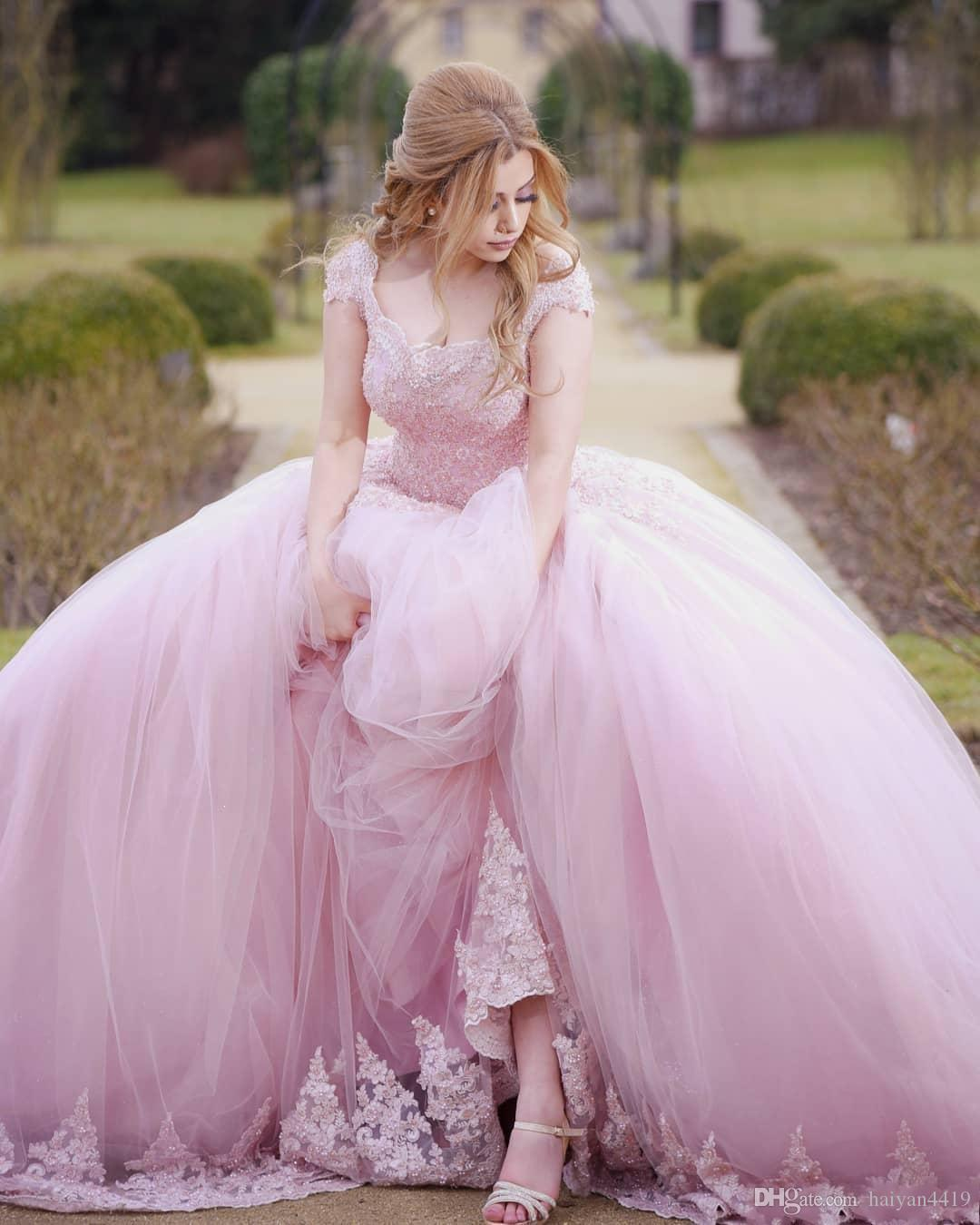 2018 Pink Quinceanera Ball Gown Dresses Scoop Neck Cap Sleeves Lace Beads Pearl Corset Back Sweep Train Puffy Tulle Party Prom Evening Gowns