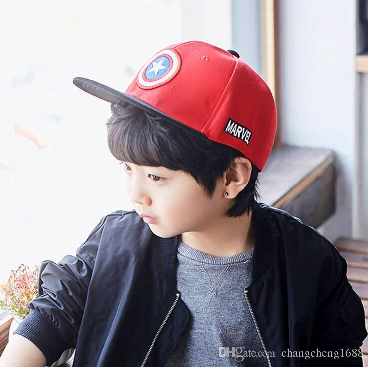 Unisex bebek Çocuk Düz Ağız Beyzbol Kapaklar Kaptan Amerika Tasarım moda Ayarlanabilir Snapback Beyzbol Şapkaları 1-4 T MZ3724 E590