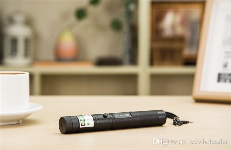 Ücretsiz Kargo Lazer 303 Uzun Mesafe Yeşil SD 303 Lazer Pointer Güçlü Avcılık Lazer Kalem Delik Sighter + 18650 Pil + şarj