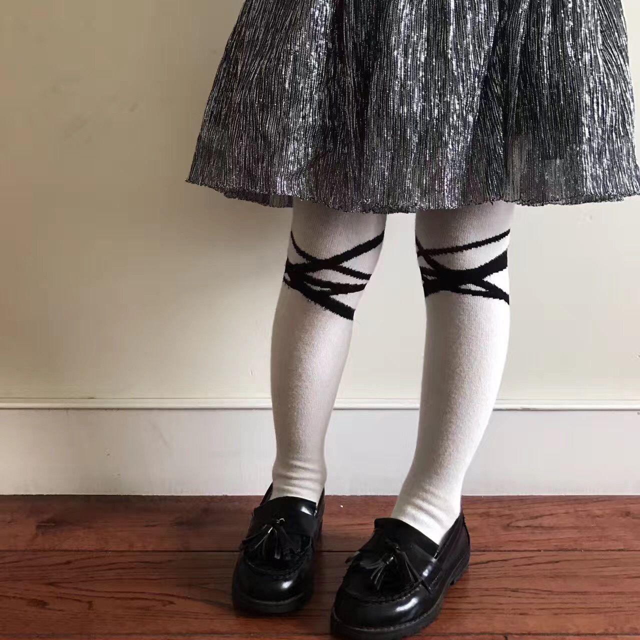 ... 2018 Nouvelle Mode Printemps Été Bambin Enfants Enfant Coton Tricoté  Chaussettes Bébé Fille Irrégulière Lignes Abstraites Leggings Pantalons  Collants De ... 15f0fb0d129