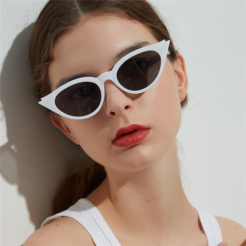 Acheter 2018 Lunettes De Soleil Cat Eye De Mode Femmes Teintées Couleur  Lentille Hommes Vintage En Forme De Lunettes De Soleil Femme Marque  Designer ... 3ff750ad7c29