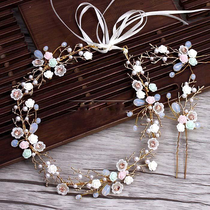 Compre Ramas De Oro Cerámica Flor Diadema Horquillas Traje Tiara De La Boda  Decoración Del Pelo Para Las Novias Accesorios Para El Cabello De La Boda  ... c359b4683c31