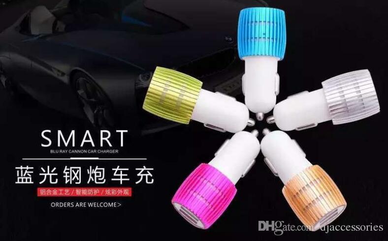 Venda al por mayor el cargador dual llevado colorido del coche del USB de los puertos 5V 2.1A del coche del coche de los puertos del USB 2 para el iPhone / Samsung / los teléfonos de Android