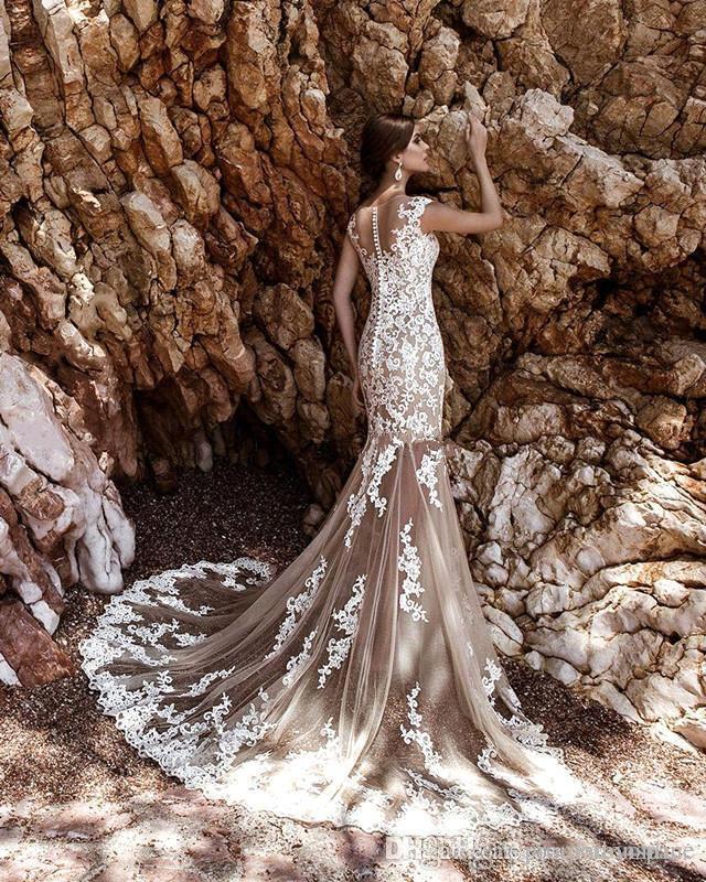 2017 Vestidos de novia Modest Modest Champagne con falda desmontable Lace Blanco Corte Corte Corte Tren Playa Jardín Vestidos nupciales BA5359