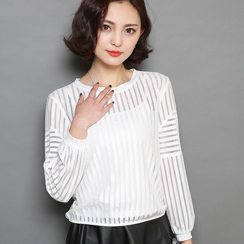 ce5d87f67a Compre Blusas Femininas 2018 Moda Manga Longa Camisa Chiffon Oco Out Rendas Blusa  Branca O Pescoço Mulheres Blusas Casuais Roupas Femininas De Yakima