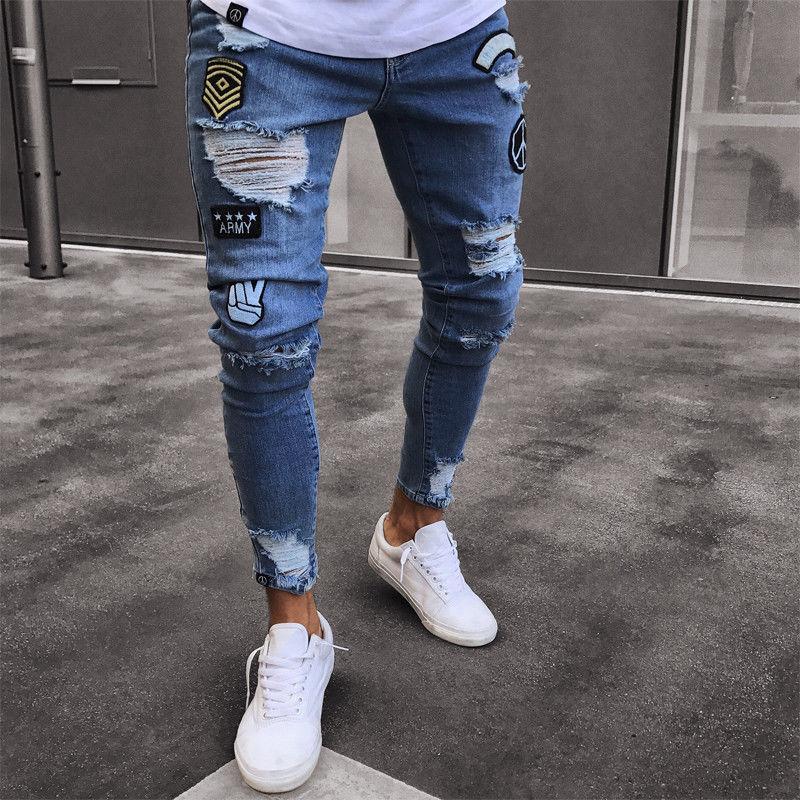 f73db9b9046b4 Compre 2018 2 Estilo Hip Pop Jeans Ajustados Hombres Ripped Biker Jeans  Destroyed Impresión Deshilachada Bordado Slim Fit Denim Biker Pant Jean  Homme A ...