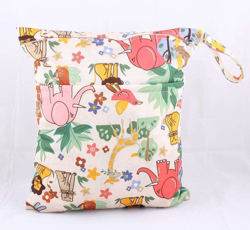 High Quality 54 Designs Wet/Dry Bag Waterproof Double Zippered Cloth Diaper Bags Reusable Nappy Bags Mummy Dry Bag Wholesale
