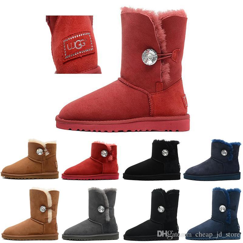 Acquista UGG Bailey Button Bling Boots Nuovo Arrivo Inverno In Australia  Classic Stivali Da Neve Moda WGG Alti Stivali In Vera Pelle Bailey Bowknot  Donne ... c8aa433d5912