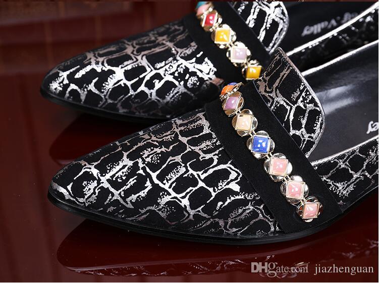 2017 neue stil Italienische Luxus Krokodil Stil Diamant Strass Spiked Loafers Nieten schuhe Männlichen Designer Hochzeit Schuhe M453