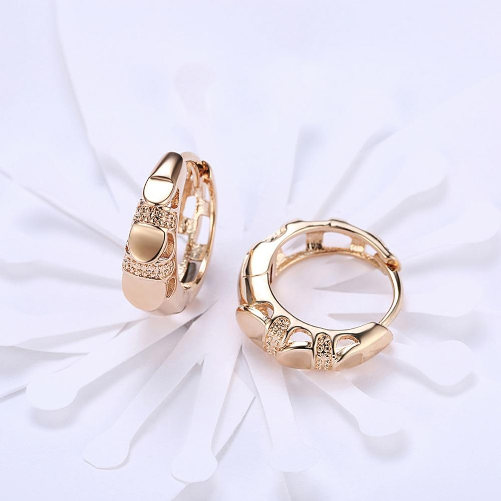 AMOURJOUX Fashion Finger Shaped Champagne Gold Color Clip Earrings For Women Trendy Clips on Ear Cuff Female For Party