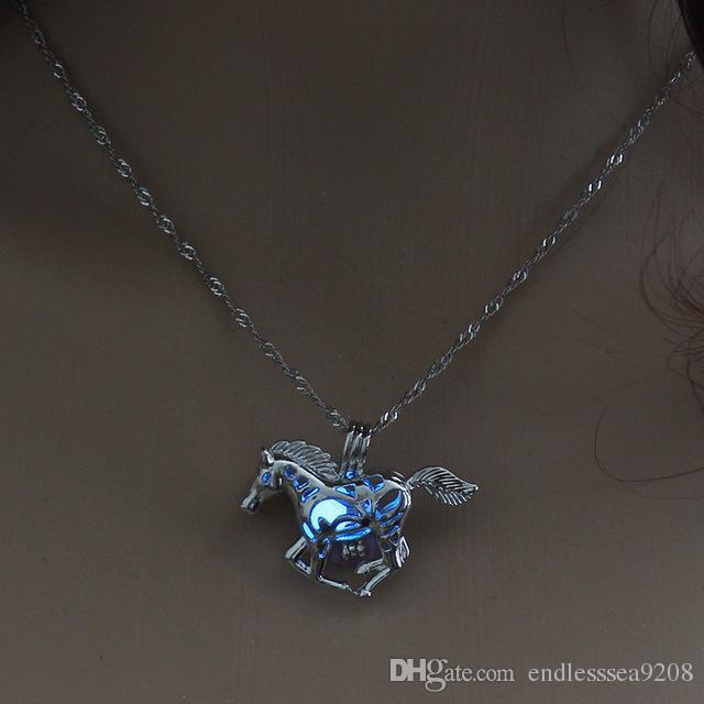 Retro cavallo bagliore nel buio collana collane Argento catena cheval Running gioielli cavallo uomo Punk gioielli cavallo