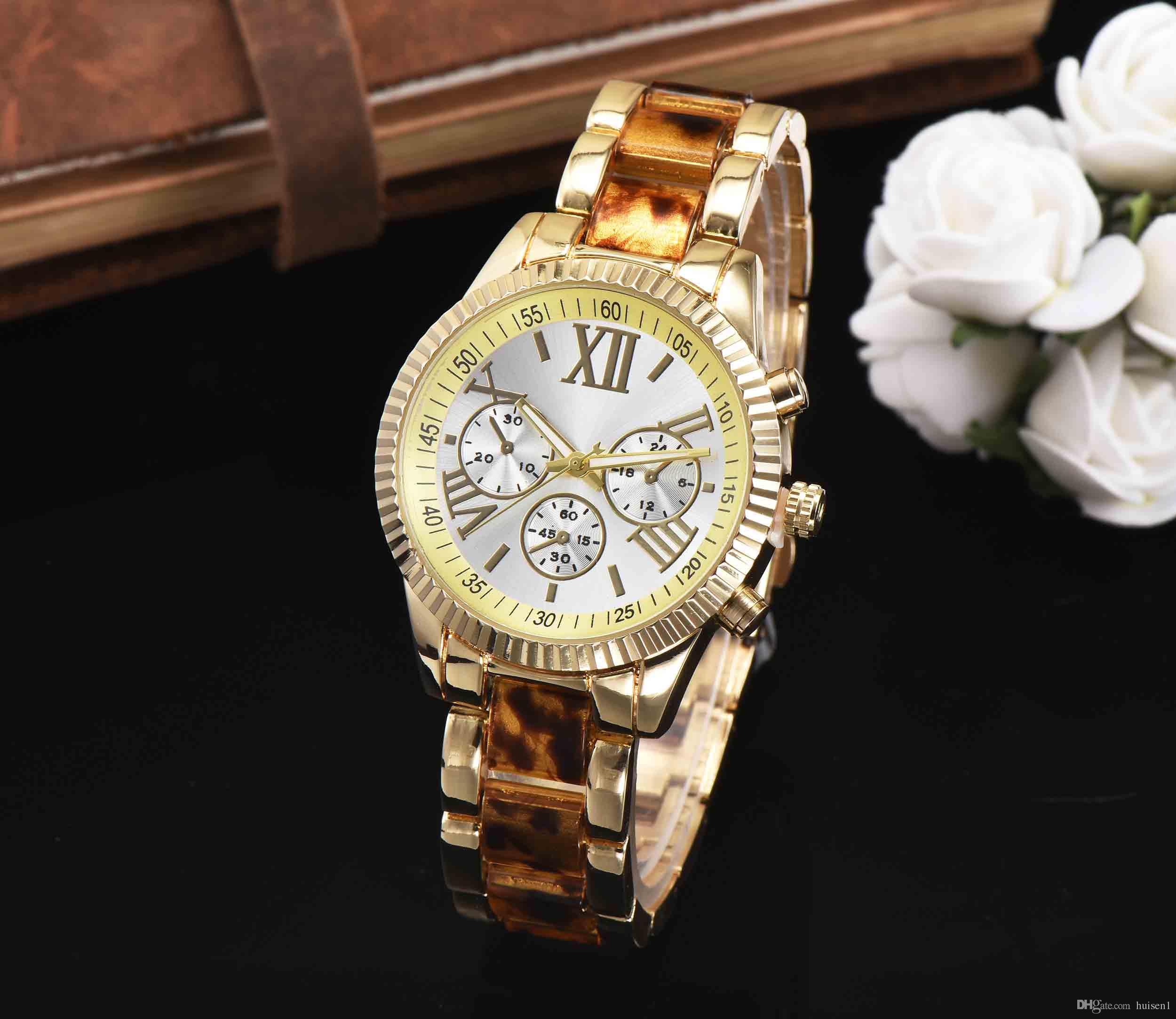 e1b12ebe0b3 Compre Famosa Marca De Moda Casual Relógio De Pulso 2017 EUA Marcas De Luxo Mulheres  Relógios Senhoras Rosa De Ouro De Quartzo Relógios Montre Femme De ...
