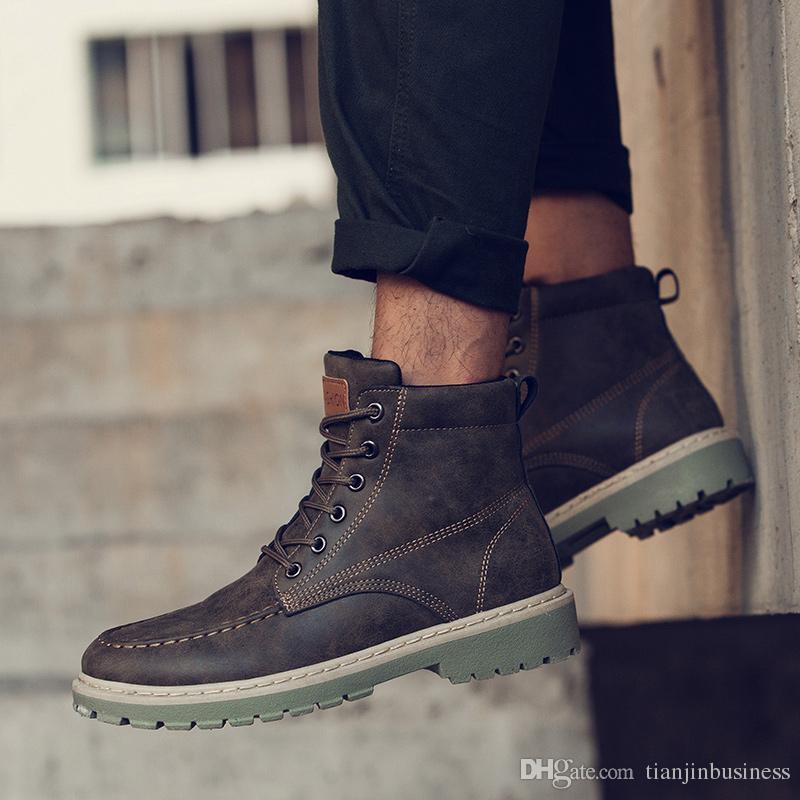 efb8999523d67e Großhandel Martin Männer Winter Trend Plüsch Warme Mode Stiefeletten High  Top Schuhe Männer Desert Boots Schneeschuhe Männer Von Tianjinbusiness