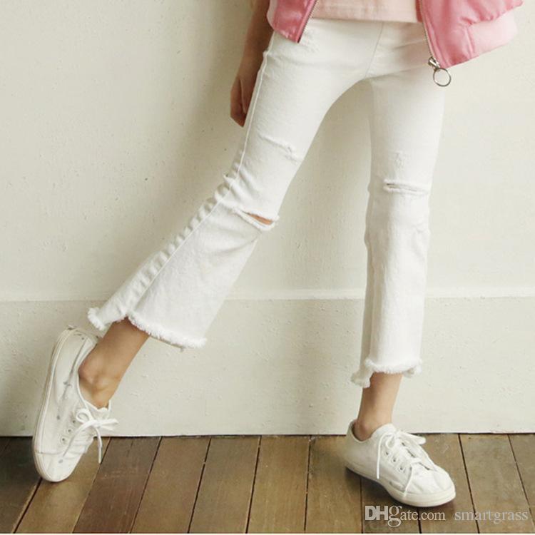 2 способа цвета РЕБЁНОК штаны Elastic загрузки Cut белый рваные джинсы Кадрированные Denim Flare джинсы 18032803
