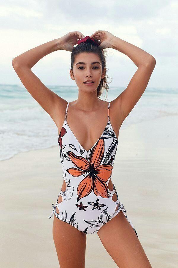 2018 New One-piece Swimsuit White Flower Ribbon Backless Hollow Print Swimsuit Small Clean Swimsuit