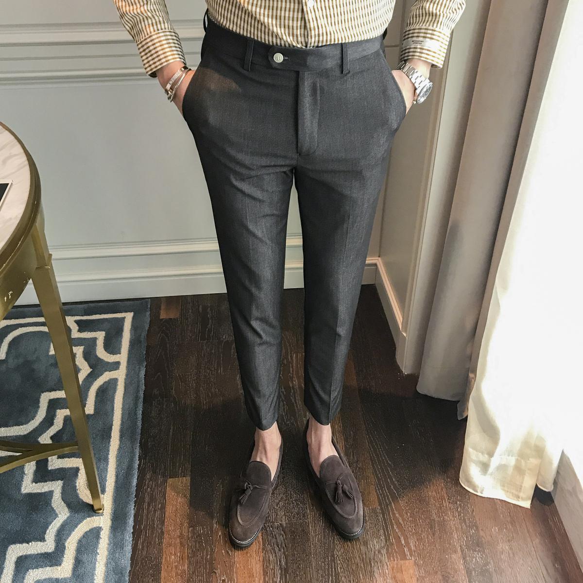 dae766cfffbb0 Compre 2018 Primavera Y Verano Nuevos Hombres De Moda Casual Slim Estilo  Occidental Pantalones Marea De Color Sólido Pies Vinculados Pantalones De  Traje ...