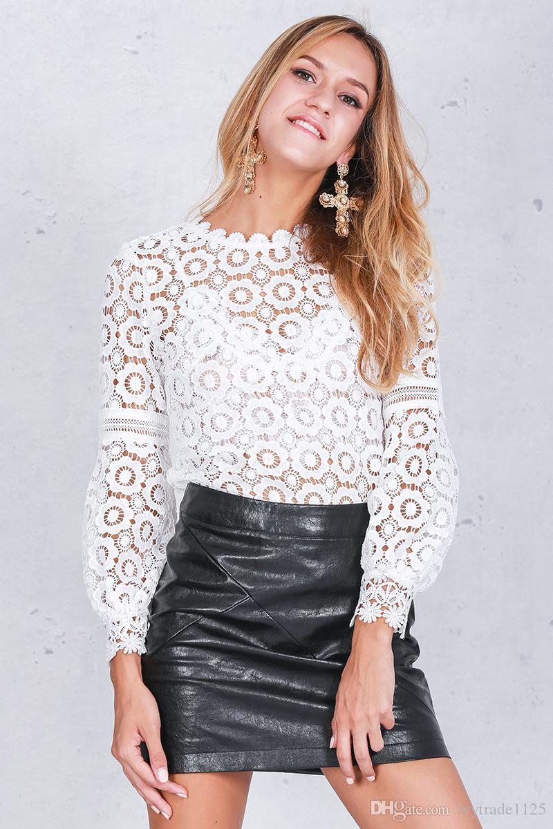 EURO ESTILO HOT NEW CHEGADA MULHERES gola Redonda de manga comprida oco out bordados flores blusa de renda lady elegante top camisas