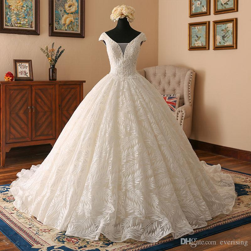 Real Pictures Ball Gown Lace White Bridal Dress Vintage Muslim Plus Size Lace Wedding Dress Princess