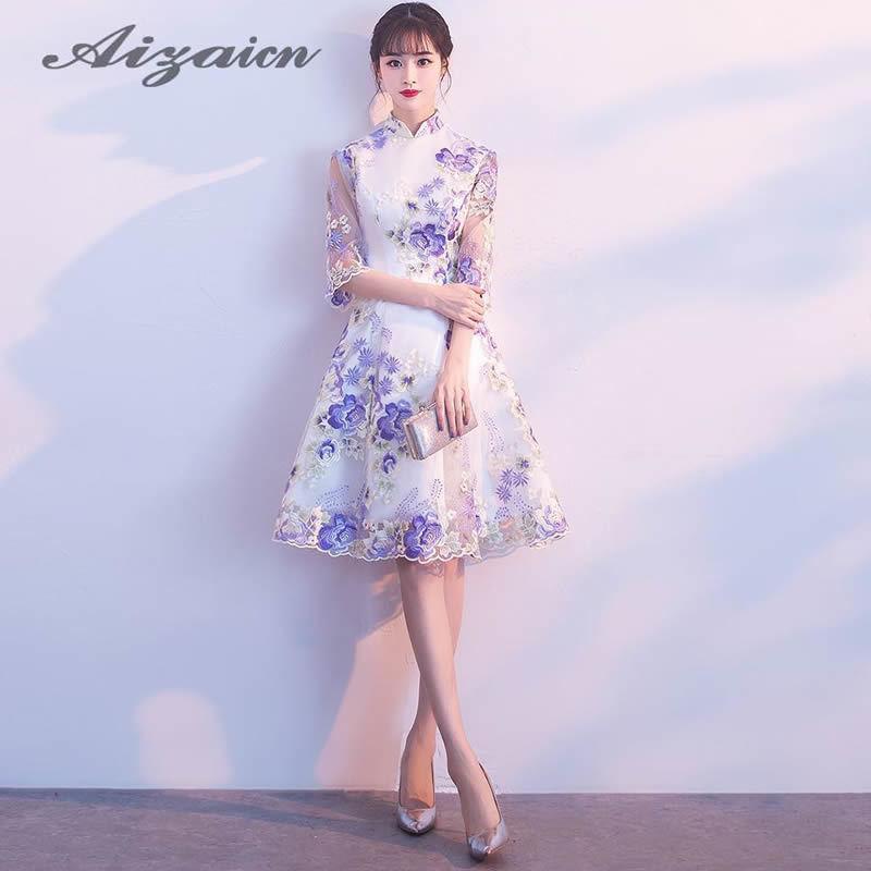 3f4ec0b3aa68 2019 Cheongsam Mini 2018 Summer Fashion Lace Half Sleeve Party Dresses  Modern Chinese Wedding Qipao Dress Sexy Slim Short Qi Pao From Carawayo, ...