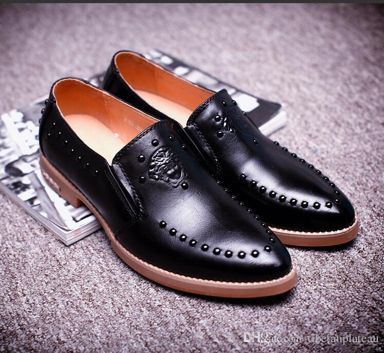 2018 New Style Brand Designer Men Velvet Embroidery Flowers Shoes Loafer  Shoe For Male Homecoming Groom Dress Wedding Shoes Moccasins H14 Shoes For  Women ... 6d2ea529a