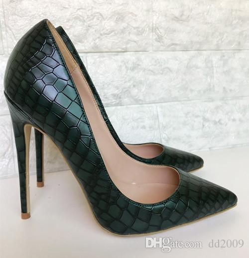 2018 Retro Stone Cut Pattern Green Women Pumps Fashion Genuine Leather Party  Shoes Pointed Toe Shallow Women S High Heels Shoes Big Size 44 Moccasins  For ... 18e97a9e960d