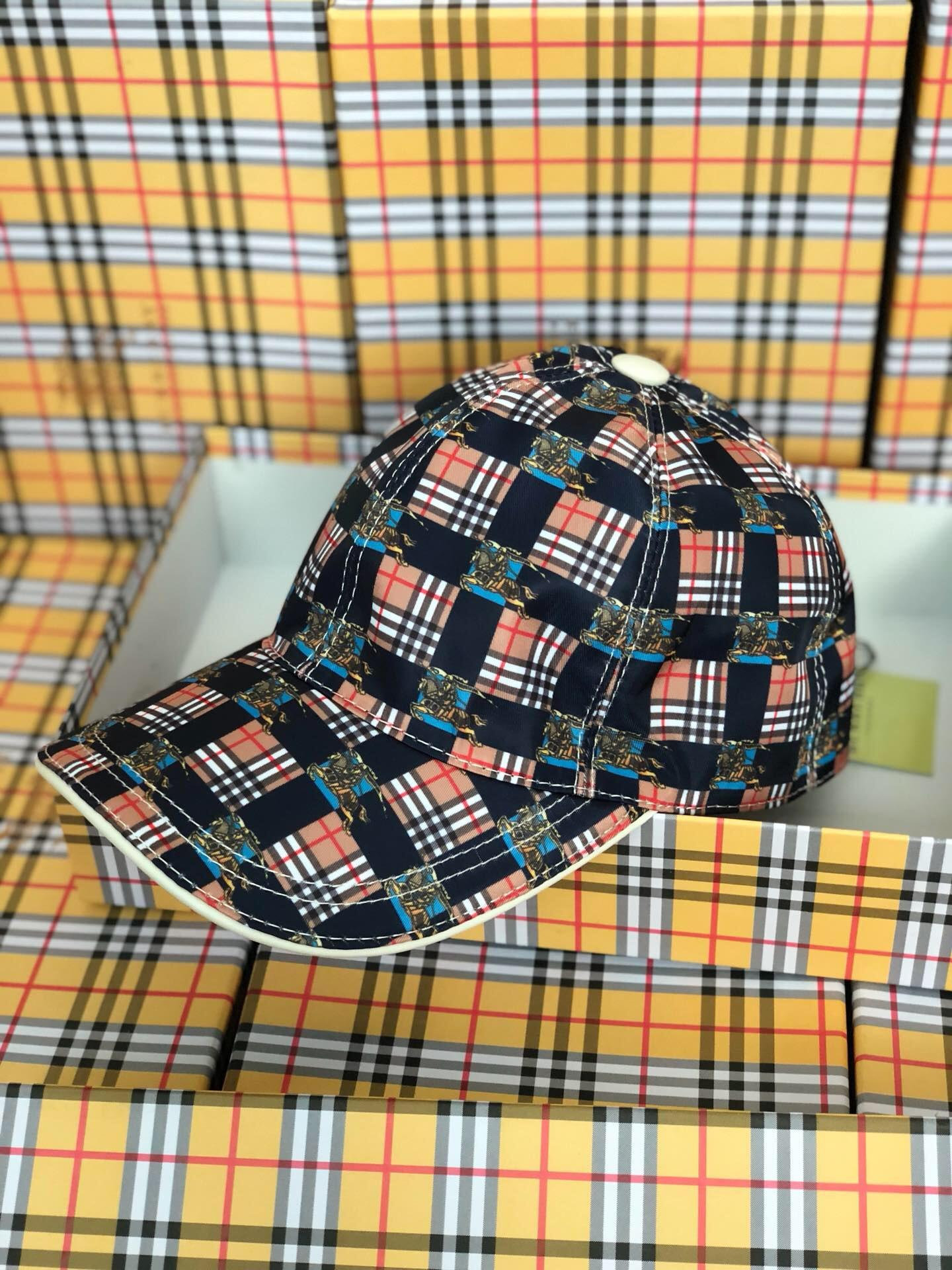 9d832670902ce 2019 Top Quality Celebrity Design Vintage Plaid Berets Cap Men Woman Canvas  Baseball Cap Cloches Stingy Brim Hats Visors 40762871 002 Army Hats Custom  Caps ...