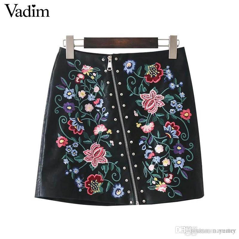 17a69ed124 Compre Vadim Mujer Elegante Floral Bordado Remache PU Faldas De Cuero Con  Cremallera Para Mujer Verano Streetwear Moda Negro Mini Falda BSQ597 A   26.65 Del ...