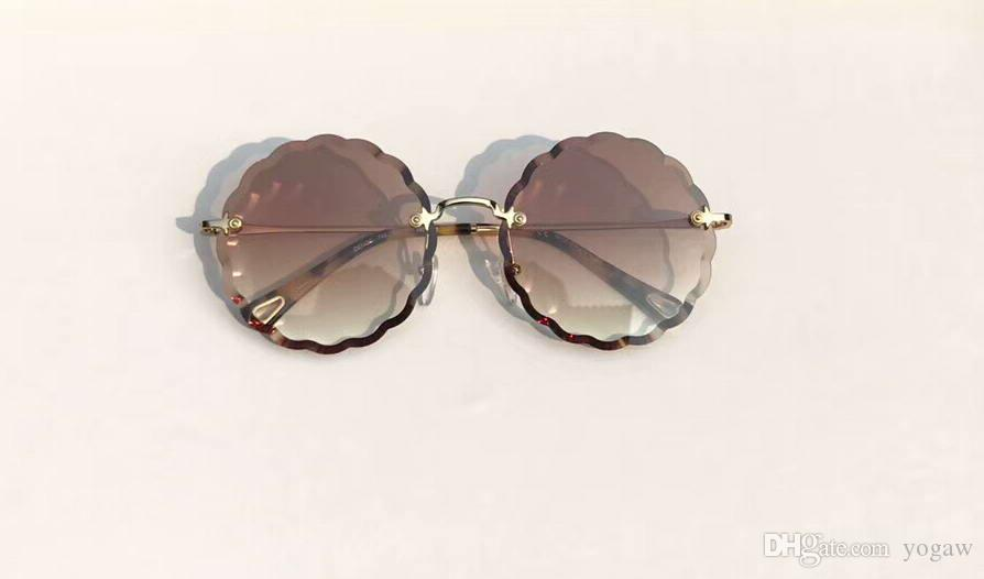 a31bdfc24d Designer Petite Flower 142S Round Sunglasses Gold Brown Gradient 142 ...