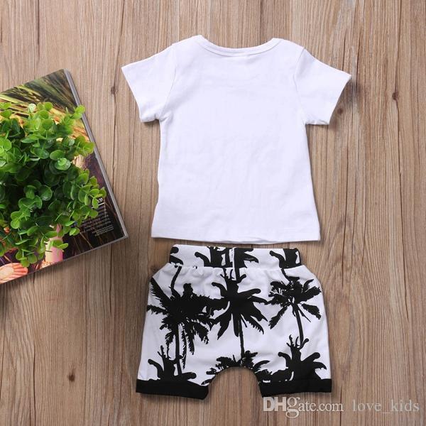 Nueva moda de verano para bebés, niños, niños, niñas, niños, ropa, camiseta superior + árbol pringting pantalones cortos trajes / set aptos para niños 0-3T