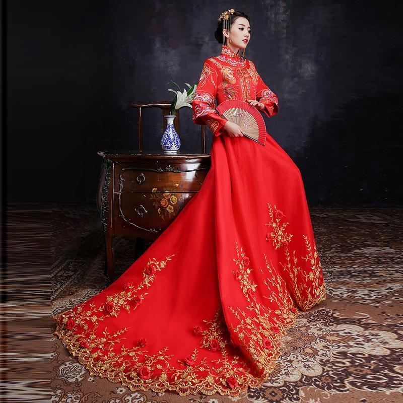 97242858e8cf 2019 Red Bride Gold Thread Embroidery Dragon Phoenix Tailing Wedding Qipao  Traditional Chinese Dress Long Cheongsam Vintage Xiu He From Hongkonglady,  ...