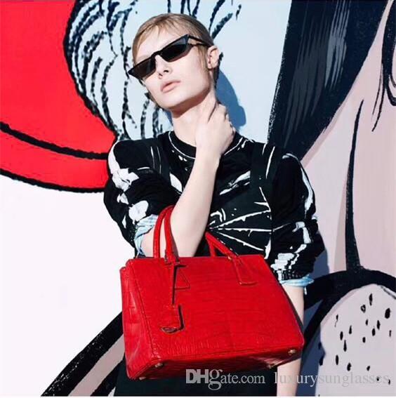 Lujo 19 Gafas de sol para mujer Marca Cat Eye Shape Retro Vintage Summer Style Mujeres Diseñador de marca Marco completo Calidad superior Ven con estuche