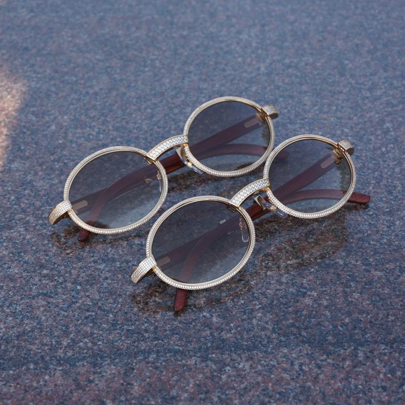 226526dfda754 Compre Vintage Diamante Óculos De Sol Dos Homens Óculos De Madeira Retro  Shades Pedra Óculos De Sol Redondo De Metal Strass Óculos De Armação Gafas  De ...