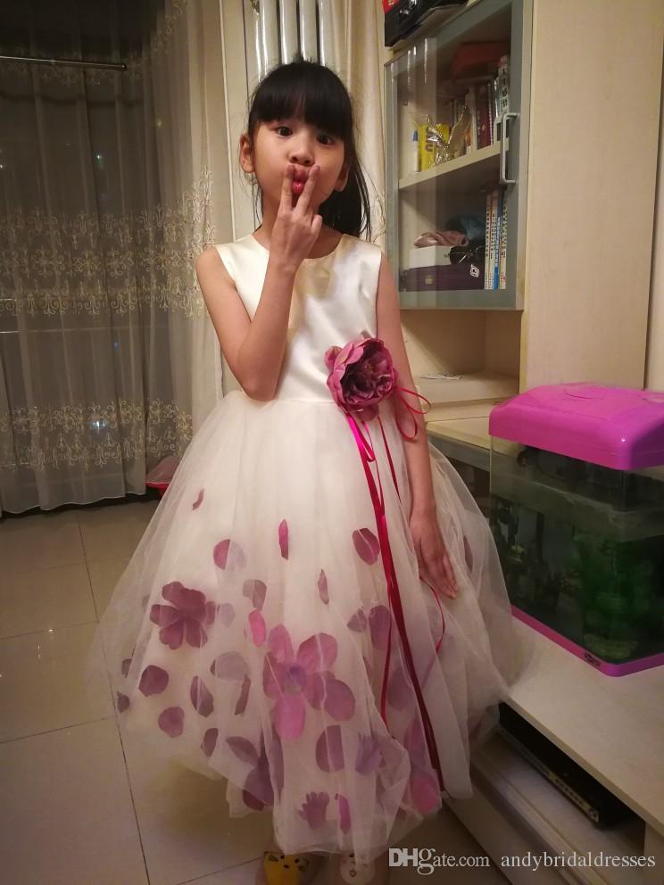 Cute Spaghetti Handmade Flower Girls Dresses Petals First Communion Dress Princess Kids Bridesmaid Dress Girl Pageant Ball Gown