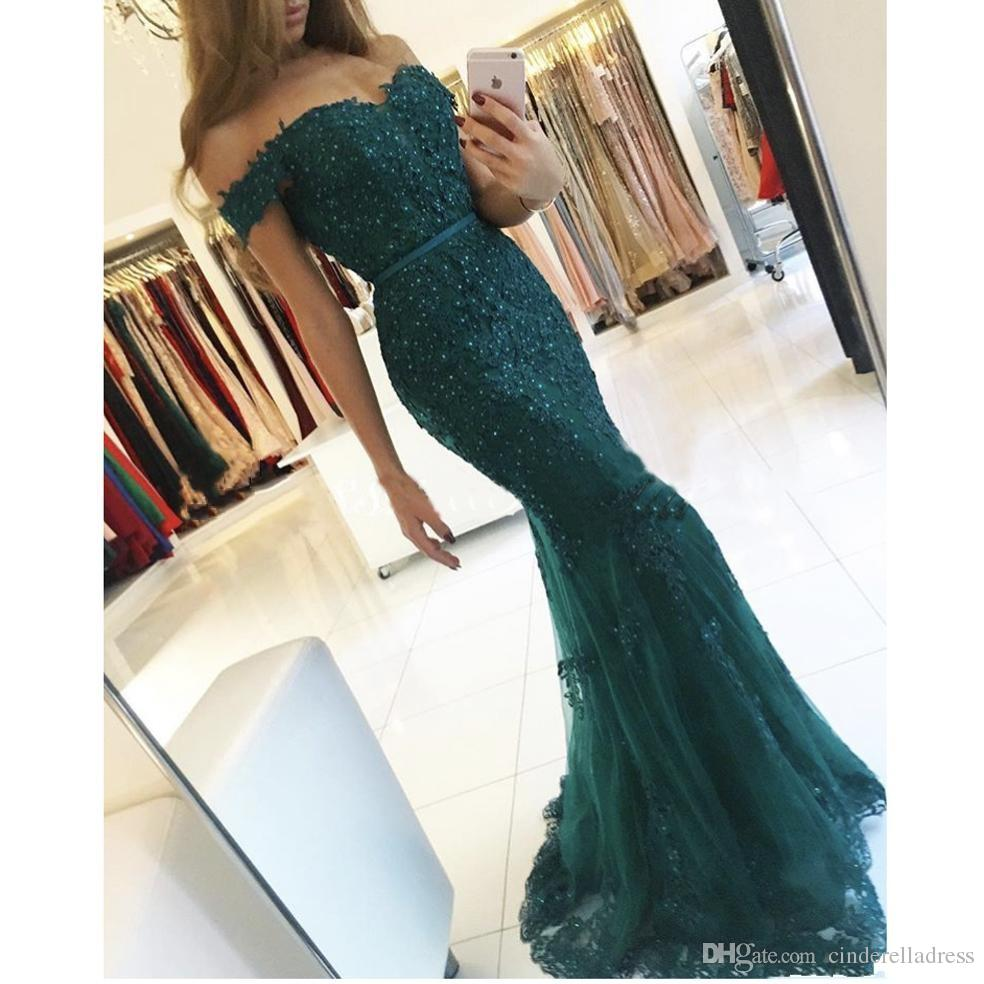 2018 New Designer Dark Green Off the Shoulder Sweetheart Evening Gowns Appliqued Beaded Short Sleeve Lace Mermaid Prom Dresses