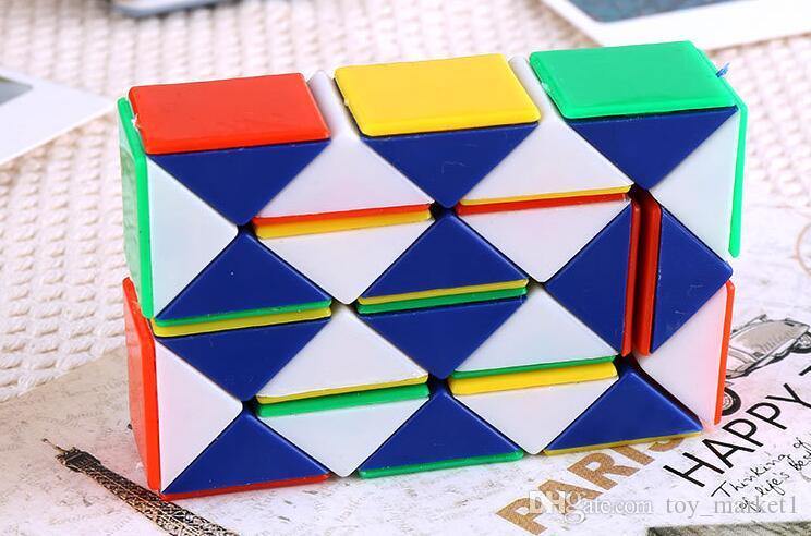 32 centímetros Mini Magic Cube New Hot Cobra Forma Toy Game Cube 3D Puzzle torção enigma Presentes Toy presente aleatório Intelligence Brinquedos SUPERTOP WX-T17