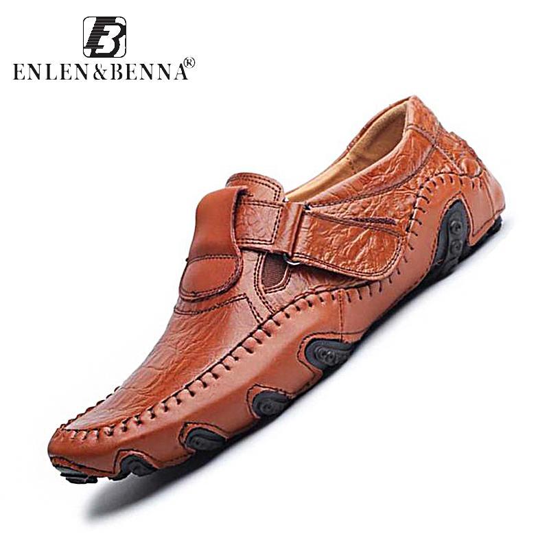 f8f4022785 Compre Zapatos Casuales De Lujo De Los Hombres Holgazanes De Cuero Genuino  Deslizamiento Plano En Zapatos De Diseñador De Alta Calidad Hombres  Mocasines ...