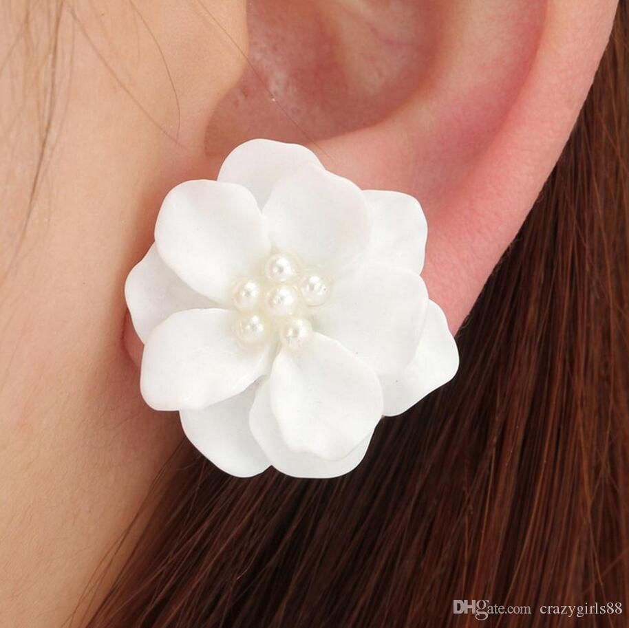 2018 New Fashion Big White Flower Pearl Earrings For Women