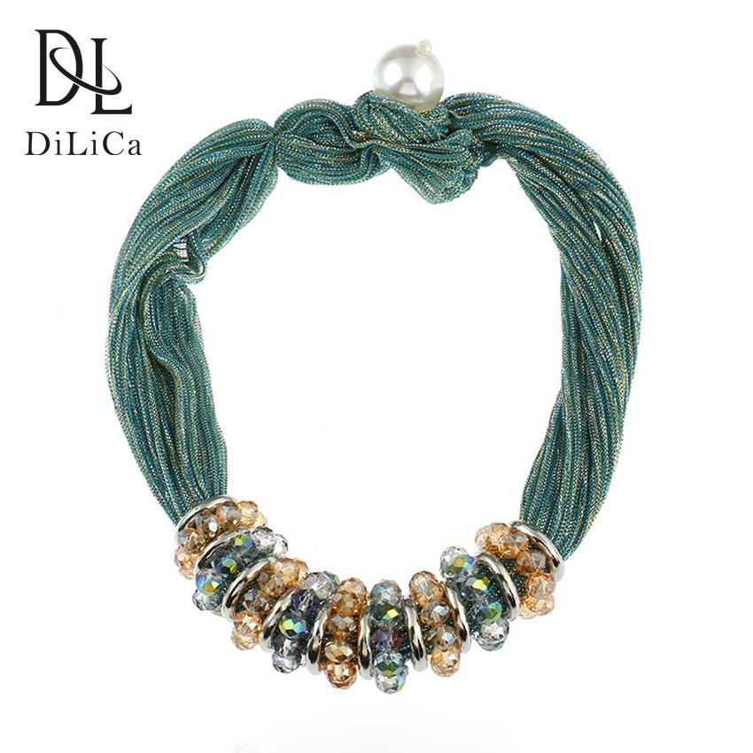 7aae2e8b948a Compre DiLiCa Mujeres Declaración Hecha A Mano Collar Moda Perla Simulada  Cristal Cinta Gargantilla Charm Collar Boho Gargantillas Collares A  23.32  Del ...