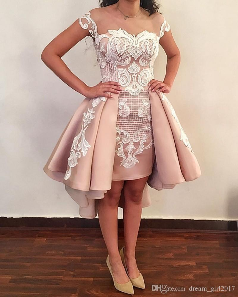 Blush Pink Overskirts Brevi Abiti da Cocktail 2018 Off The Shoulder Applique in pizzo bianco Backless Prom Gowns la laurea Homecoming Wear