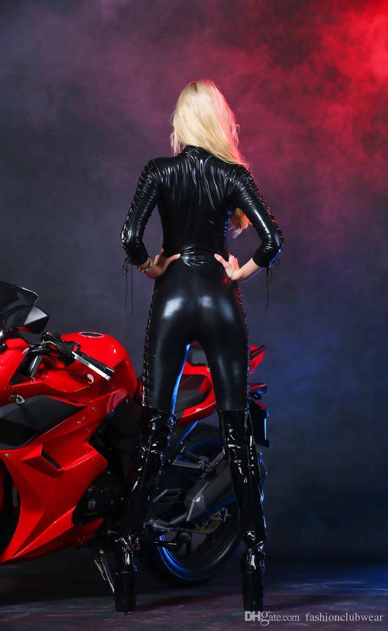 Seksi Kadınlar Yarış Arabası Sürücüsü Kostüm Siyah Faux Deri Uzun Kollu Bodysuit Düşük Kesim Bağcık Tulum Seksi Oyun ...