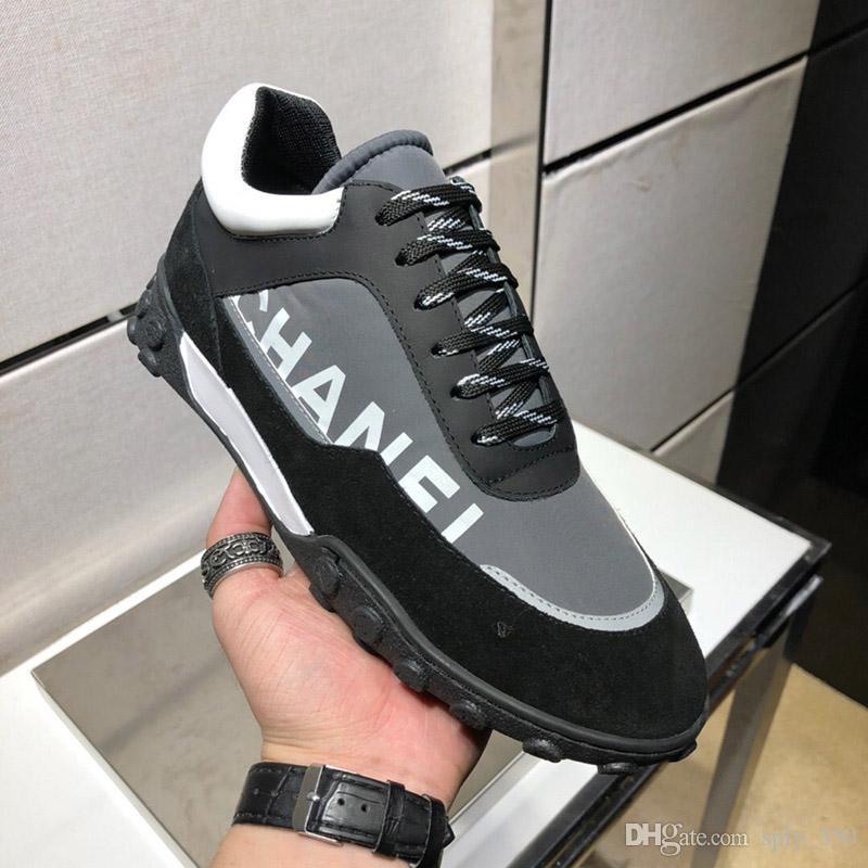 1a6d2f116f Compre Moda Feminina De Luxo Da Marca Sapatos Casuais 2018 Mens Designer  Triplo Branco Tênis De Couro Camurça Sapatilhas Esporte Lazer Sneaker Com  Caixa De ...