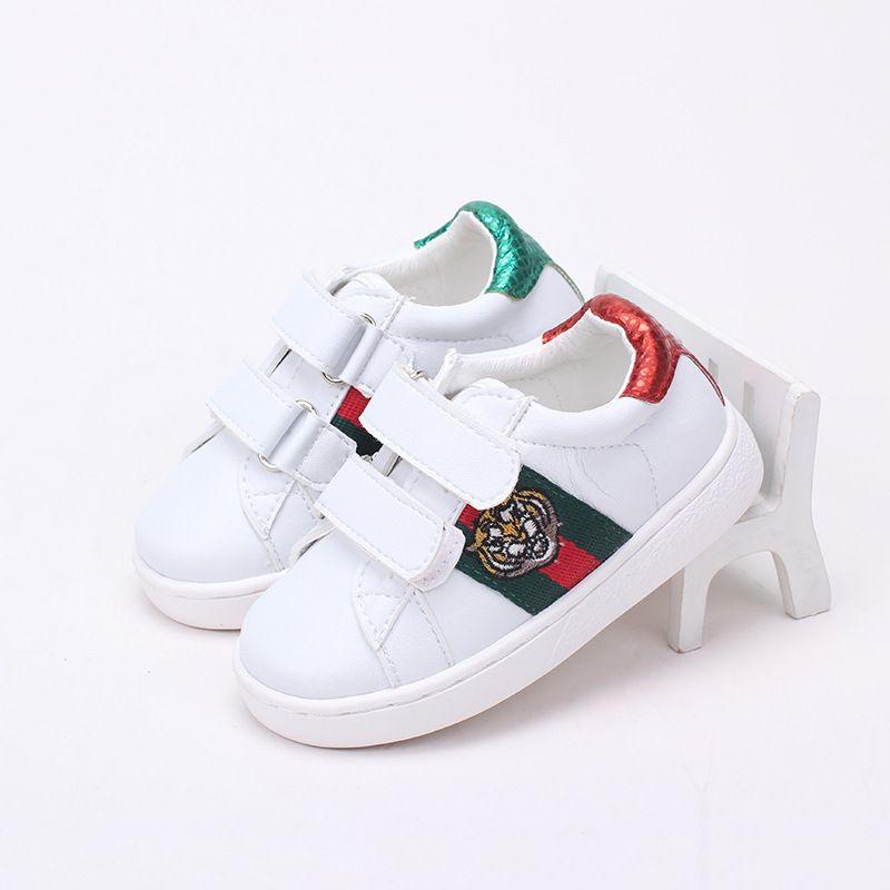 Acquista Sneakers 2018 Spring New Pattern Scarpe Casual Moda Sussidie  magiche Testa Di Tigre Ragazza Da Uomo Set Low Help Children A  46.66 Dal  Linfen12 ... c77452c50d5