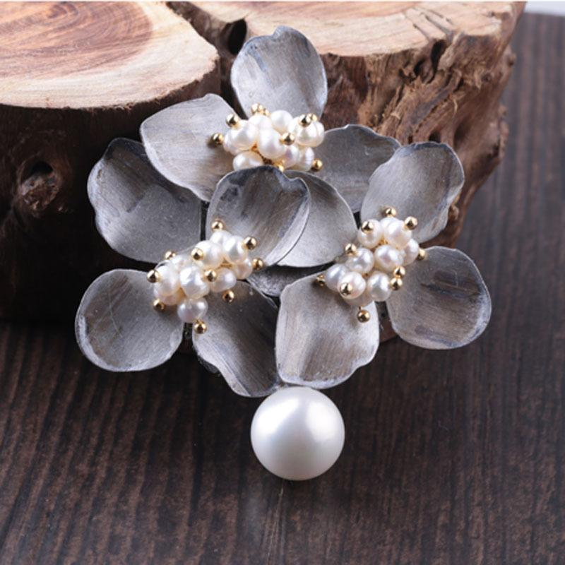 Du Jun Yu Design Pure Manual Make High Files Pearl Retro Flower Pendant Dual-use Brooch Hollow Out Carved Flower Copper Bottom A911