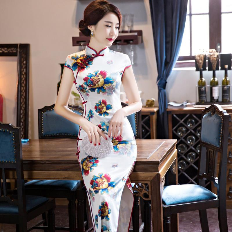 5292187d031 2019 Hot Sale Traditional Chinese Women Long Dress Summer New Silk Satin  Qipao Sexy Slim Printed Cheongsam Plus Size Robe Orientale From Rebecco