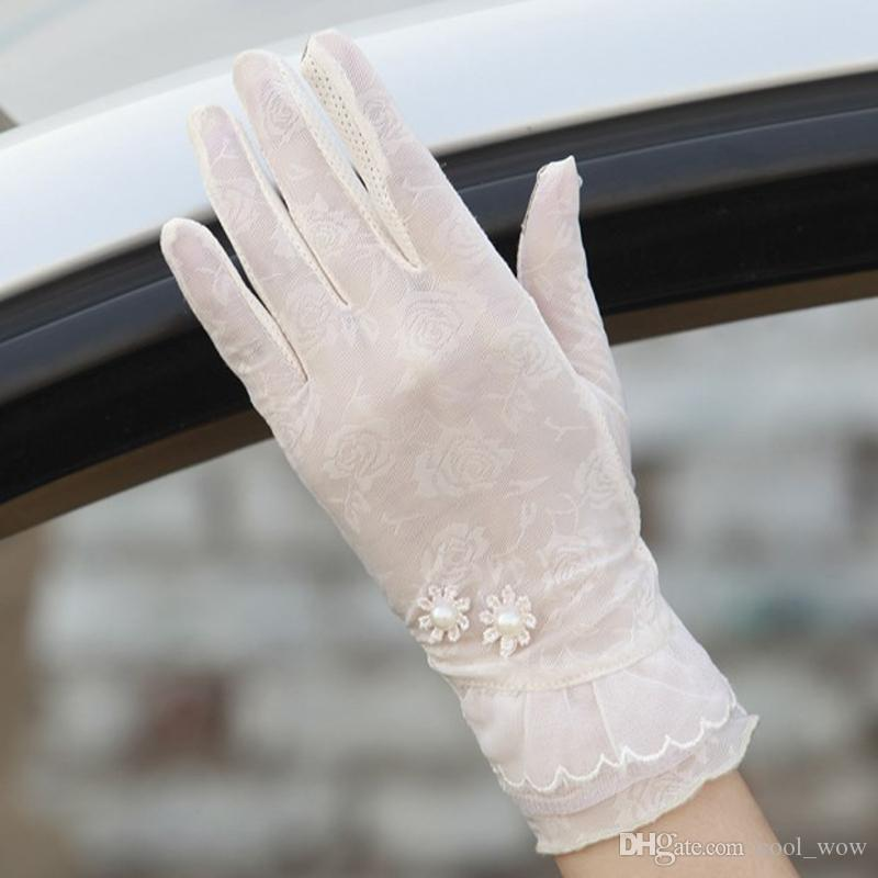 Vintage Sunscreen Semi-finger Gloves Summer Jacquard Nylon Ladies Anti-UV Driving Lace Floral Five Finger Screen Touch Gloves