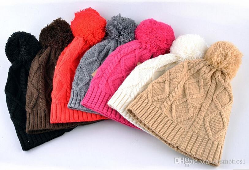 Hot Unisex Winter Brand Fashion Classc Women Knitted Hat Men Beanies ... e83c0ad44396